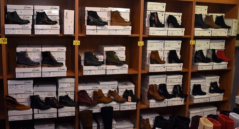 Likwidacja butów, sandały damskie, rabat, wyprzedaż